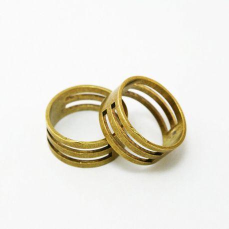 Žiedas skirtas darbui su žiedelius, palengvina jų atidarymą ir uždarymą, sendintos aukso spalvos , 19 mm 1 vnt.