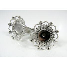Žiedo pagrindas su ažūrine plokštele 25 mm, tamsios sidabro spalvos, reguliuojamas dydis