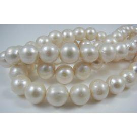 Gėlavandenių perlų gija, baltos spalvos, AA klasės, netaisyklingos apvalios formos 9-10 mm