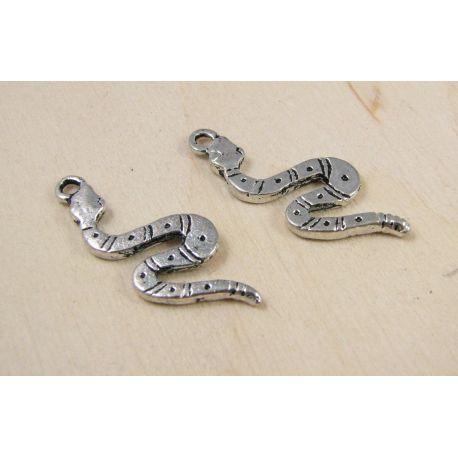 """Pakabukas """"Gyvatė"""", sendintos sidabro spalvos, 25x10 mm, 1 vnt."""