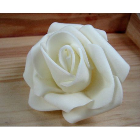 Dekoratyvinė gėlytė - rožė 6-7mm, baltos spalvos 1 vnt.