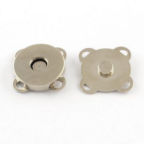 Magnetinis prisiuvamas užsegimas dviejų dalių, skirtas drabužiams, papuošalams, nikelio spalvos, 15x15 mm, 1 vnt.