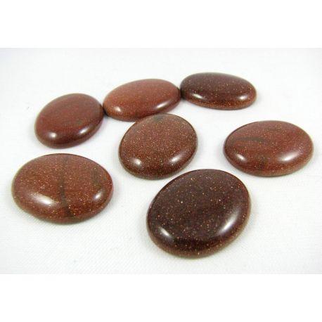 Saulės akmens kabošonas, rudos spalvos, paviršius blizgus, apavalios formos, dydis 25x20x5 mm