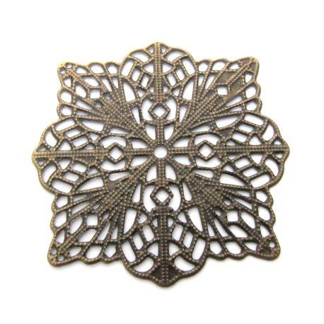 Ažūrinė plokštelė skirta papuošalų gamybai, dekoracijoms, papuošimams. Sendintos bronzinės spalvos, dydis 49x49 mm