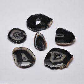 Natūralus Agato akmeninis pakabukas juodos - rudos spalvos margas netaisyklingos ovalo formos