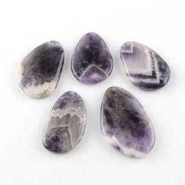 Natūralus Ametisto akmeninis pakabukas violetinės - baltos spalvos margas lašo formos, 54-68x32 mm