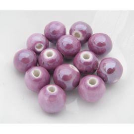 Rankų darbo keramikiniai karoliukai, vėriniams, papuošalams. Blizgios Violetinės spalvos, dydis 10 mm, kaina už 1 vnt.
