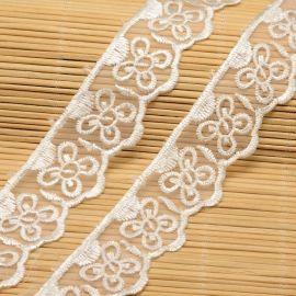 Ažūrinė dekoratyvinė juostelė, rankdarbiams, papuošalams, baltos spalvos su raštu, 32 mm pločio, kaina už vieną metrą