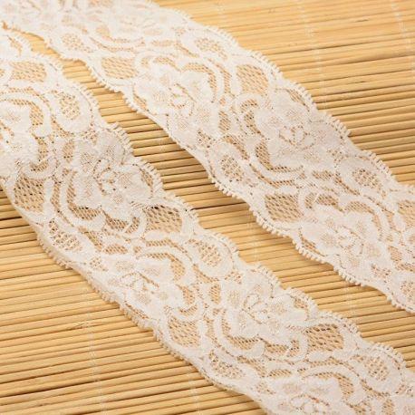 Ažūrinė dekoratyvinė gumytė, rankdarbiams, papuošalams, baltos spalvos su raštu, 15 mm pločio, kaina už vieną metrą