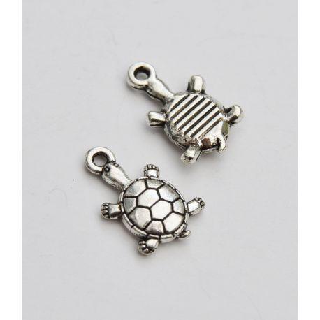 """Metalinis pakabukas """"Vėžliukas"""" skirtas papuošalų, rankdarbių gamyboje. Sendintos sidabro spalvos, dydis apie 18x11 mm., kaina -"""
