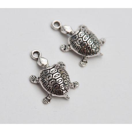 """Metalinis pakabukas """"Vėžliukas"""" skirtas papuošalų, rankdarbių gamyboje. Sendintos sidabro spalvos, dydis apie 22x14 mm., kaina -"""