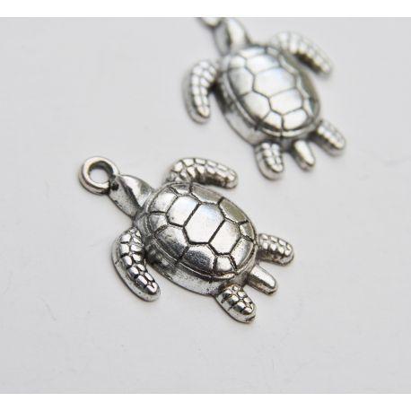 """Metalinis pakabukas """"Vėžliukas"""" skirtas papuošalų, rankdarbių gamyboje. Sendintos sidabro spalvos, dydis apie 23x18 mm., kaina -"""